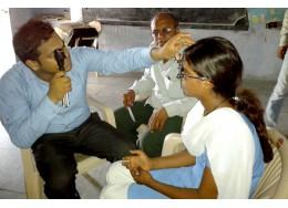 减贫脱困|VISION SPRING:适配近视眼镜,提高贫民生计能力