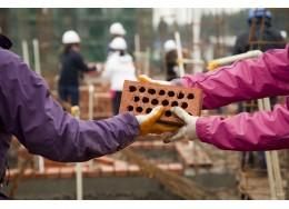 减贫脱困|仁人家园:志愿者参与贫困人口住房建设
